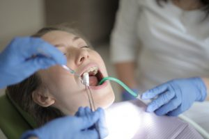 Dentists are very good at generating aerosols (Andrea Piacquadio)